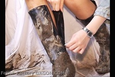 Wet &Messy Shoes Scene004