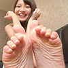 [Foot fetish] Natsuki-CHAN's embarrassing leg, foot and leg movements to carefully observe the