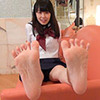 [Foot fetish] asami-CHAN's embarrassing leg, foot, foot movements to carefully observe the
