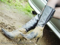 Wet &Messy Shoes Scene002