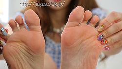 [mp4] JAGA's feet behind the scenes video-image + feet footjob hen-amateur model RANA clothes + 1 foot