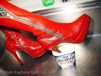 Wet&Messy Shoes Scene036