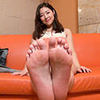 [Foot fetish] Karin-CHAN's embarrassing leg, foot and leg movements to carefully observe the